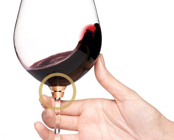 Draaiend wijnglas